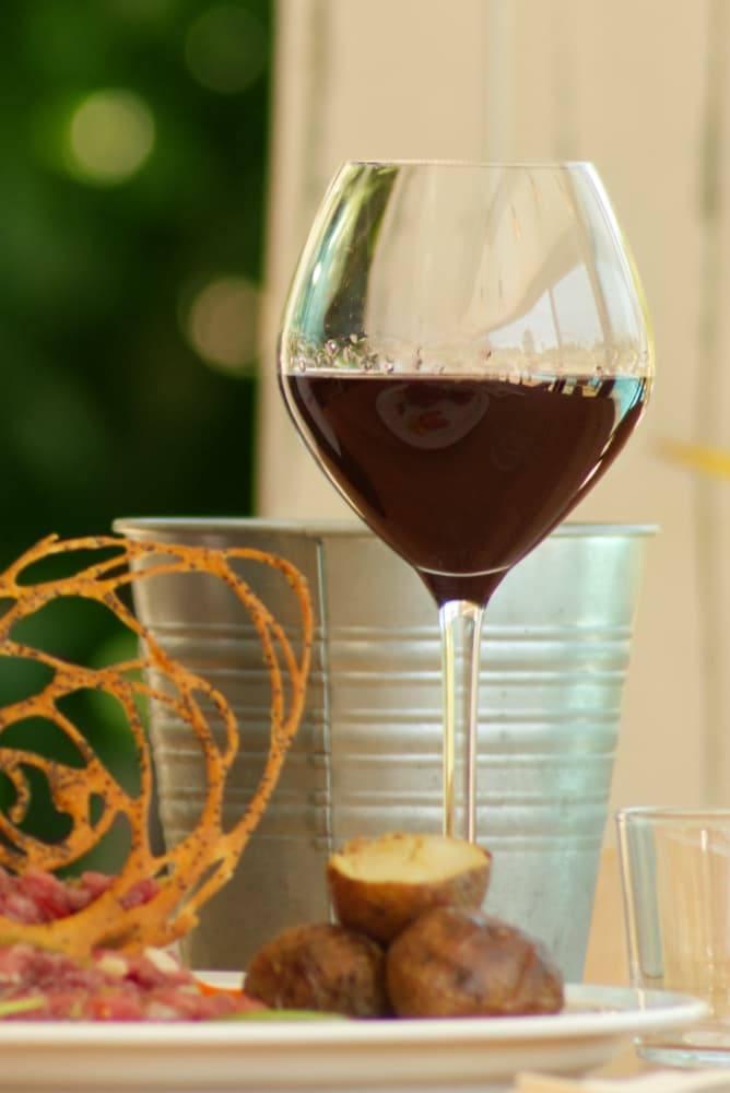 vin rouge restaurant serpolet pessac